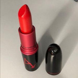 New Mac x Sia Viva Glam Sia Matte Lipstick